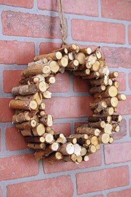 Natural Birch Peg Wreath 12""