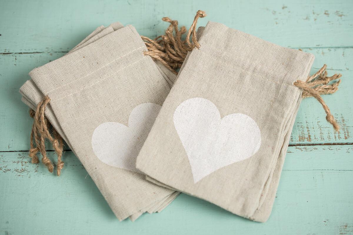 Linen Heart Favor Bags (12 bags) 4x6
