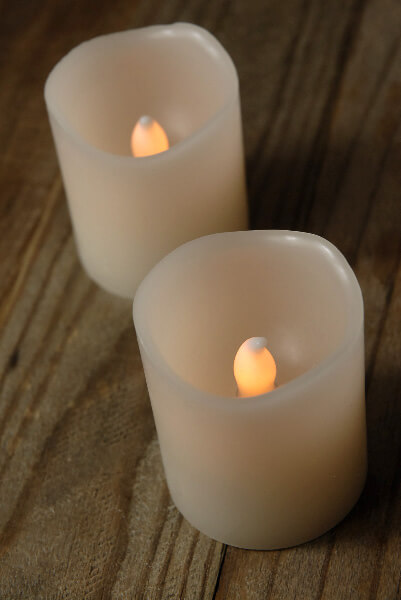 2 battery operated scented candles led flickers 2in