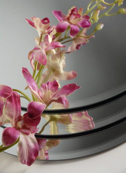 Mirrors centerpiece round in beveled edge