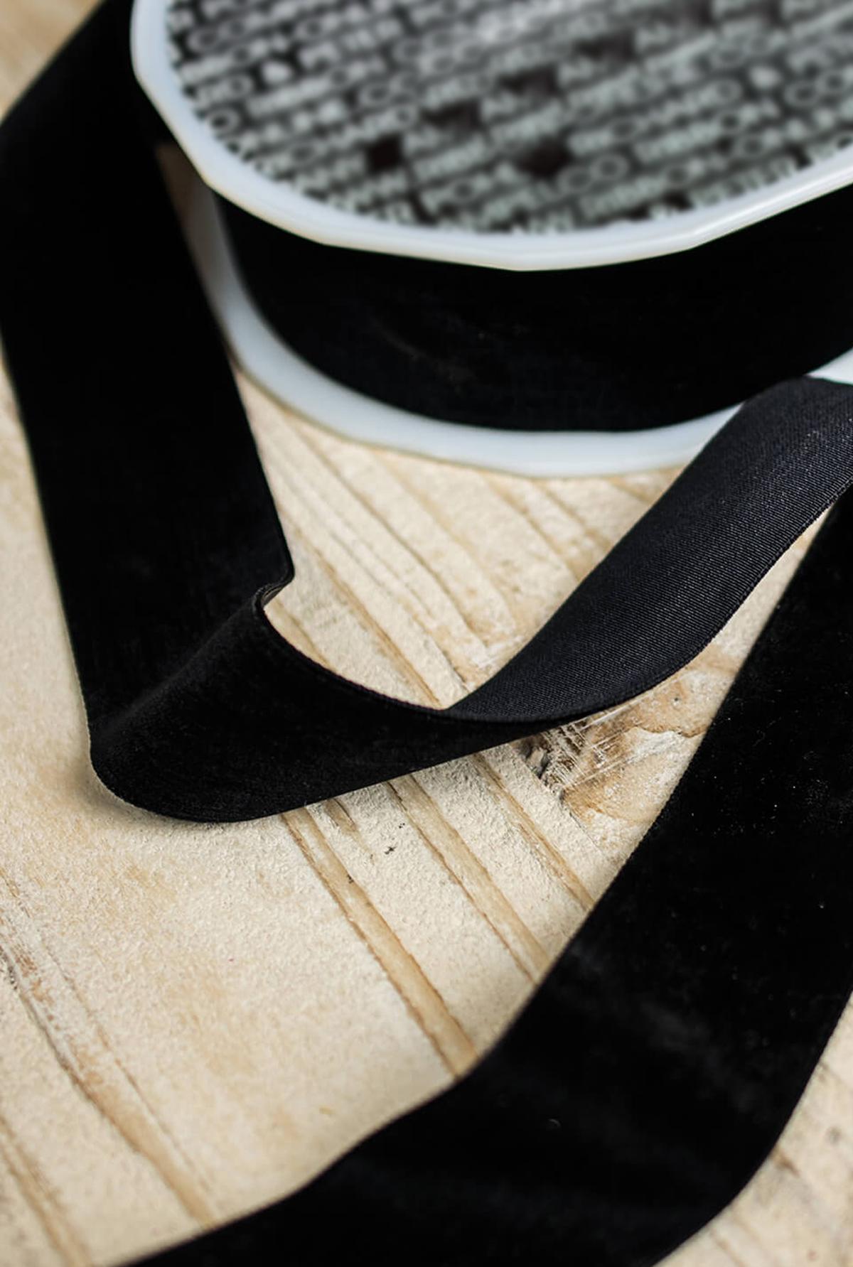 """Black Velvet SF Ribbon 1.5"""" Wide x  11yd"""