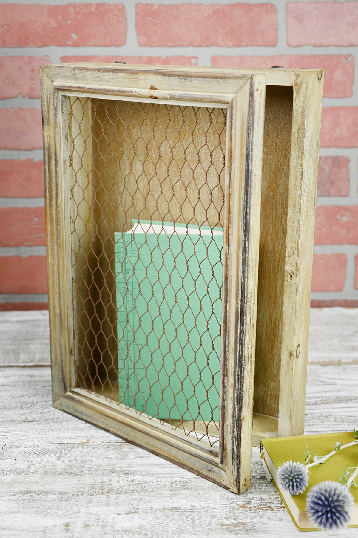 Rustic Wood Chicken Wire Wall Decor 10x14 Hinged