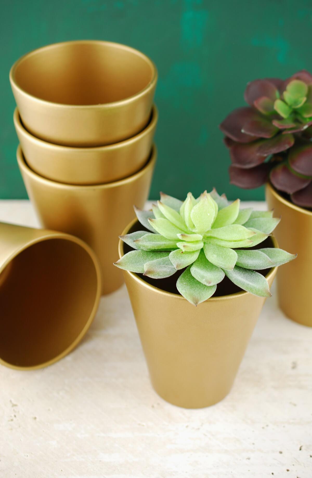6 Ceramic Pot Tapered Gold 4.5in