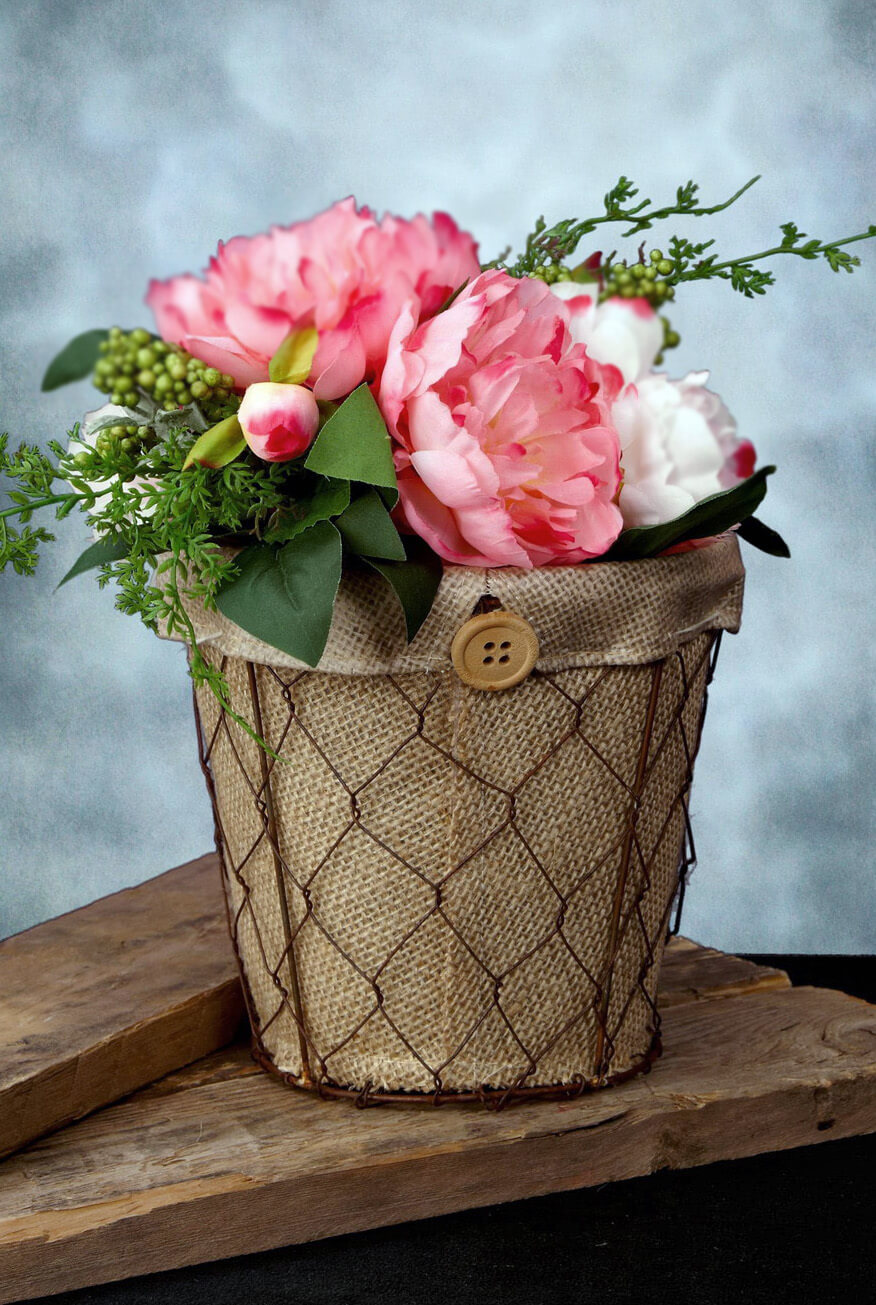 chicken wire   burlap flower pot 6 5in