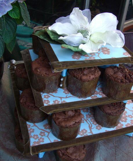 DIY: Decorating the  Petite Square Cupcake Tower