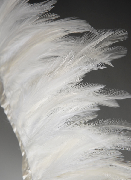 "White Rooster Feather Hackle   5"" x 2yds"