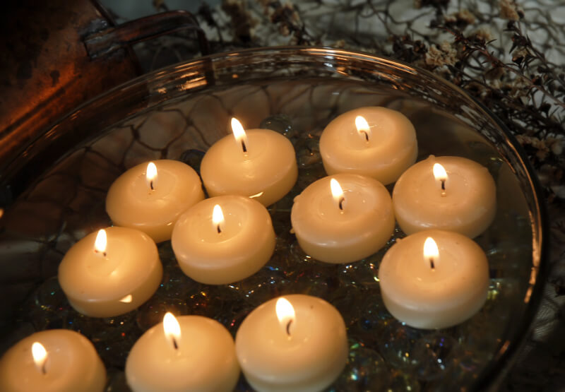 Ivory Floating Candles 1 75 Inch 20 Candles