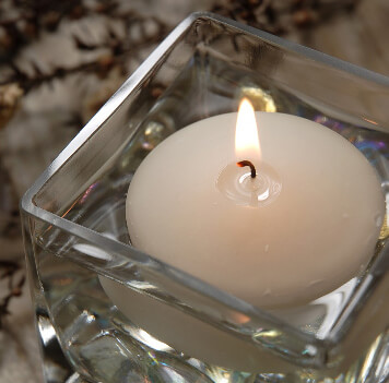 6 Ivory Floating Candles