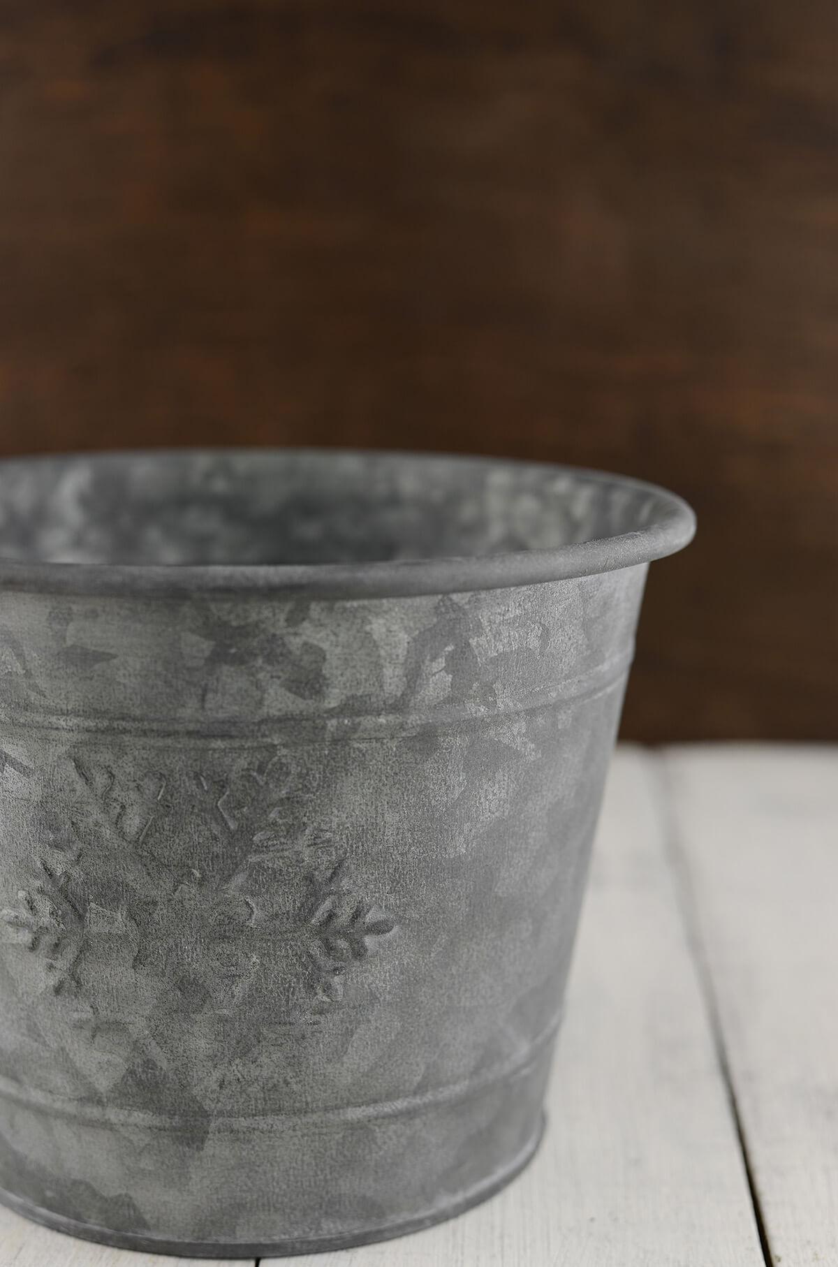 Snowflake Metal Bucket 7x5 5in