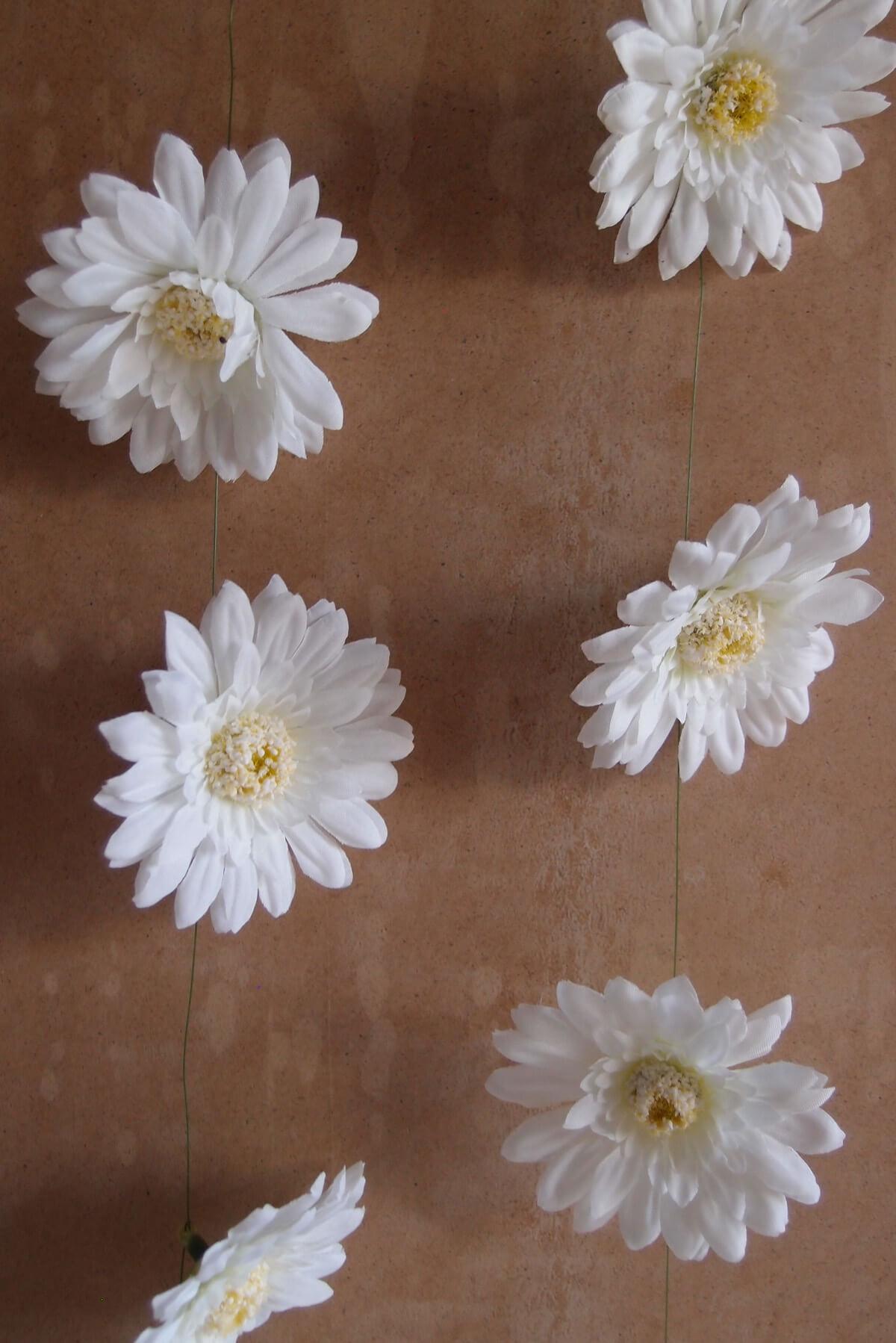 White Silk Gerbera Daisy Garland  6ft