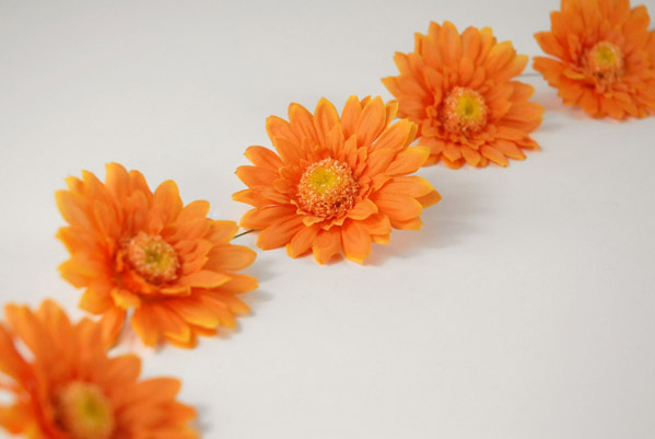 Gerbera Daisy Garland Orange 6ft