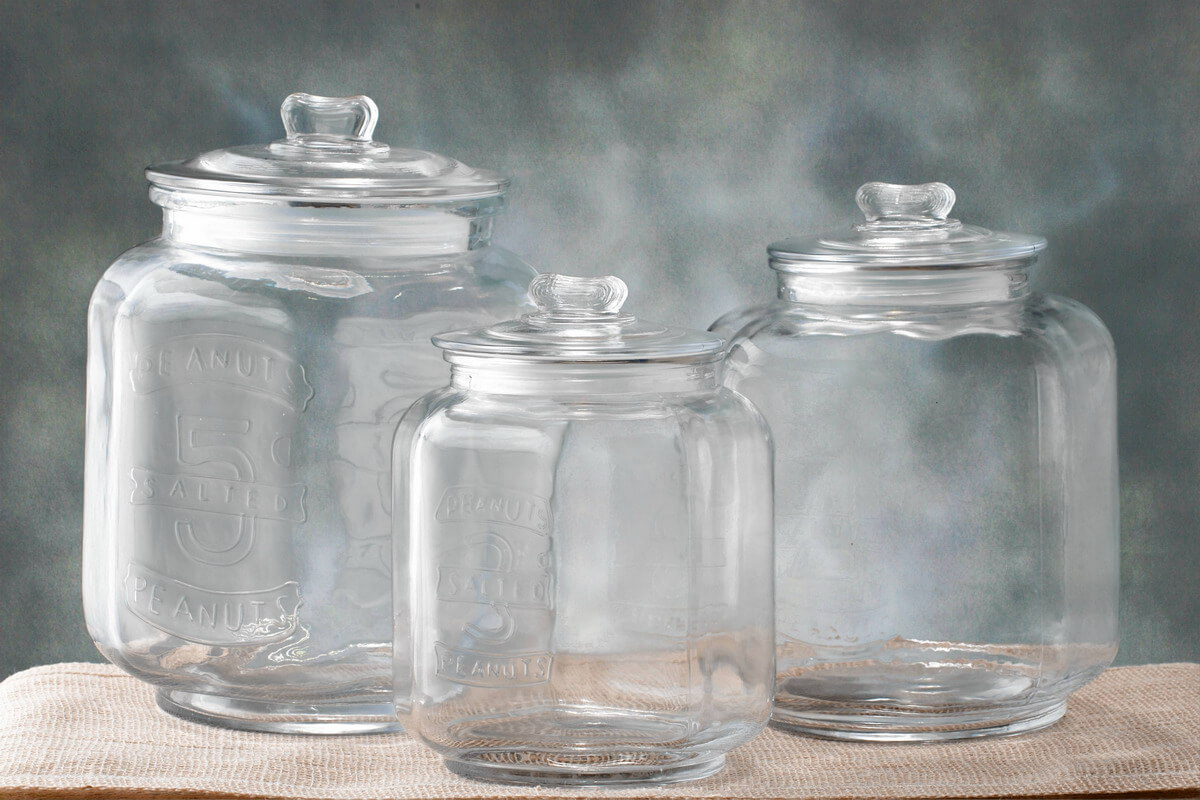 Glass cookie jar in