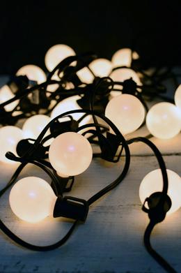 G50 Globe Wedding Light String Set, 25 Lights Pearl White 24 FT