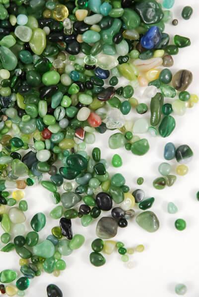 Glass Pebbles Green 46oz