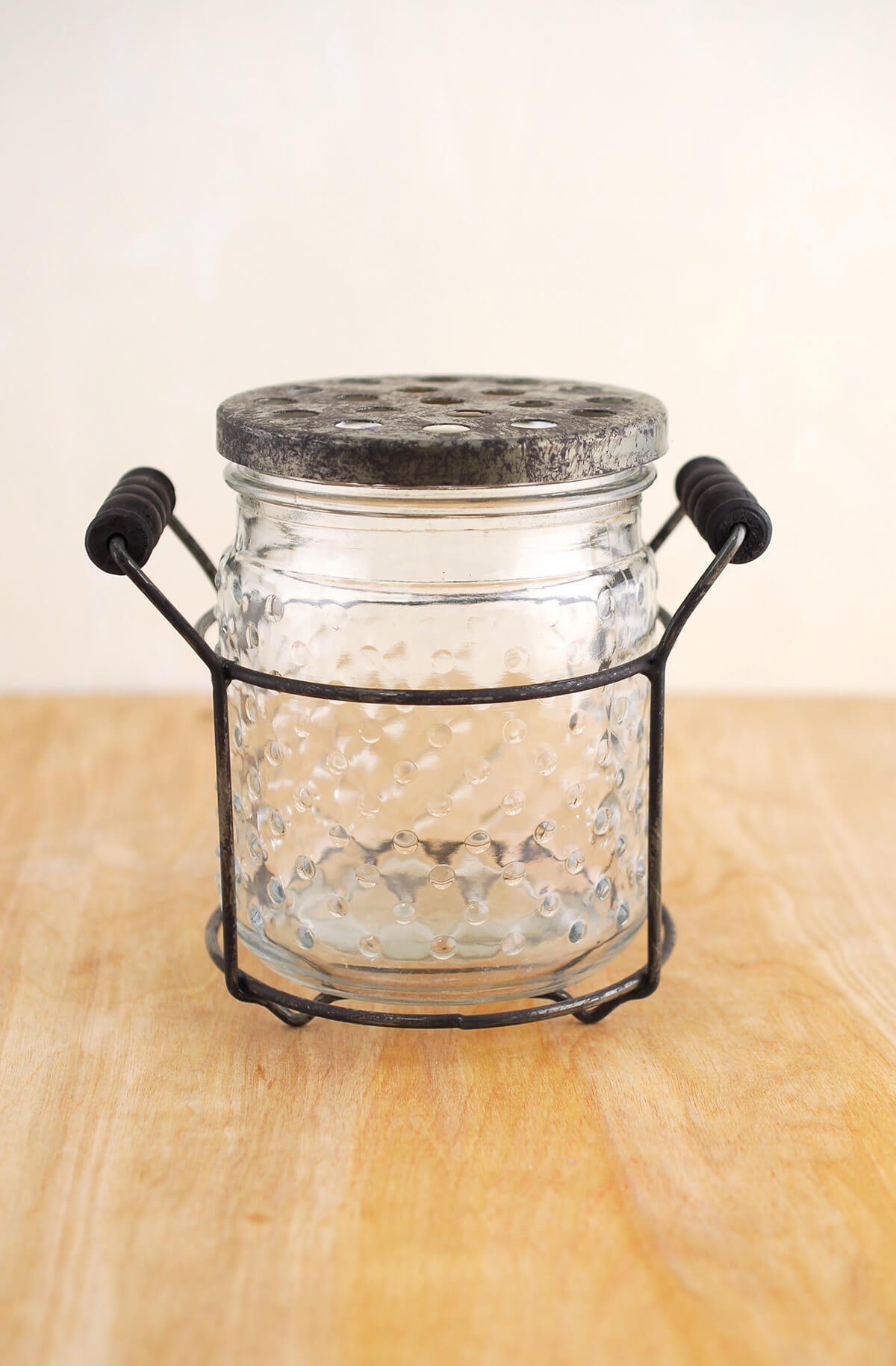 Hobnail Glass Jar With Frog Lid 5in
