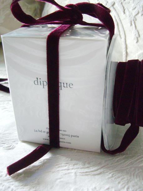 """Burgundy  Italian DF Velvet Ribbon 3/8"""" x 11.5ft"""