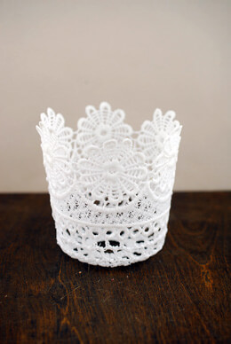 Stiffened Lace Cup 4in