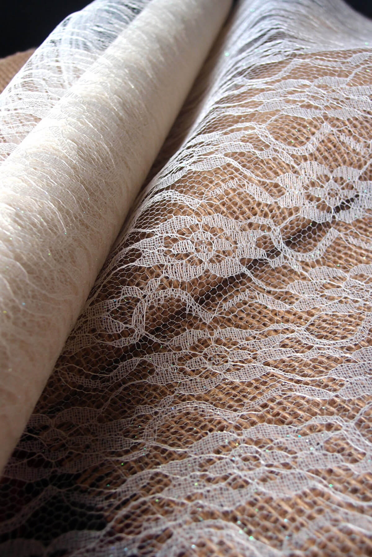 White Chantilly Lace Table Runner 14 Quot Wide X 10 Yards