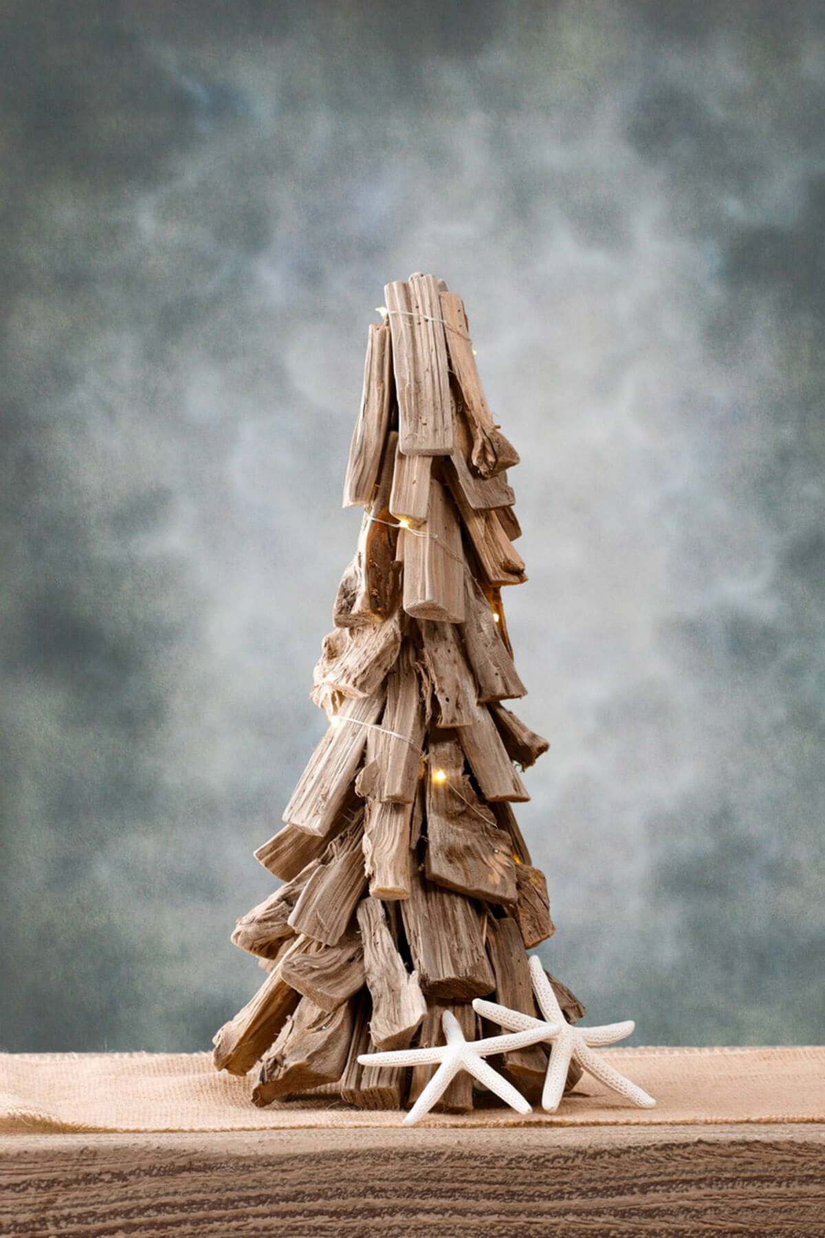 Led driftwood christmas tree 18in for Hanging driftwood christmas tree