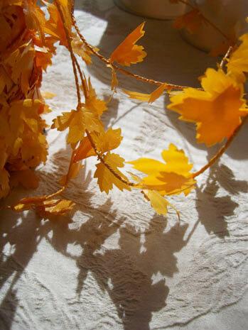 Wired Miniature PVC Maple Leaf Garland Orange 27yds Roping