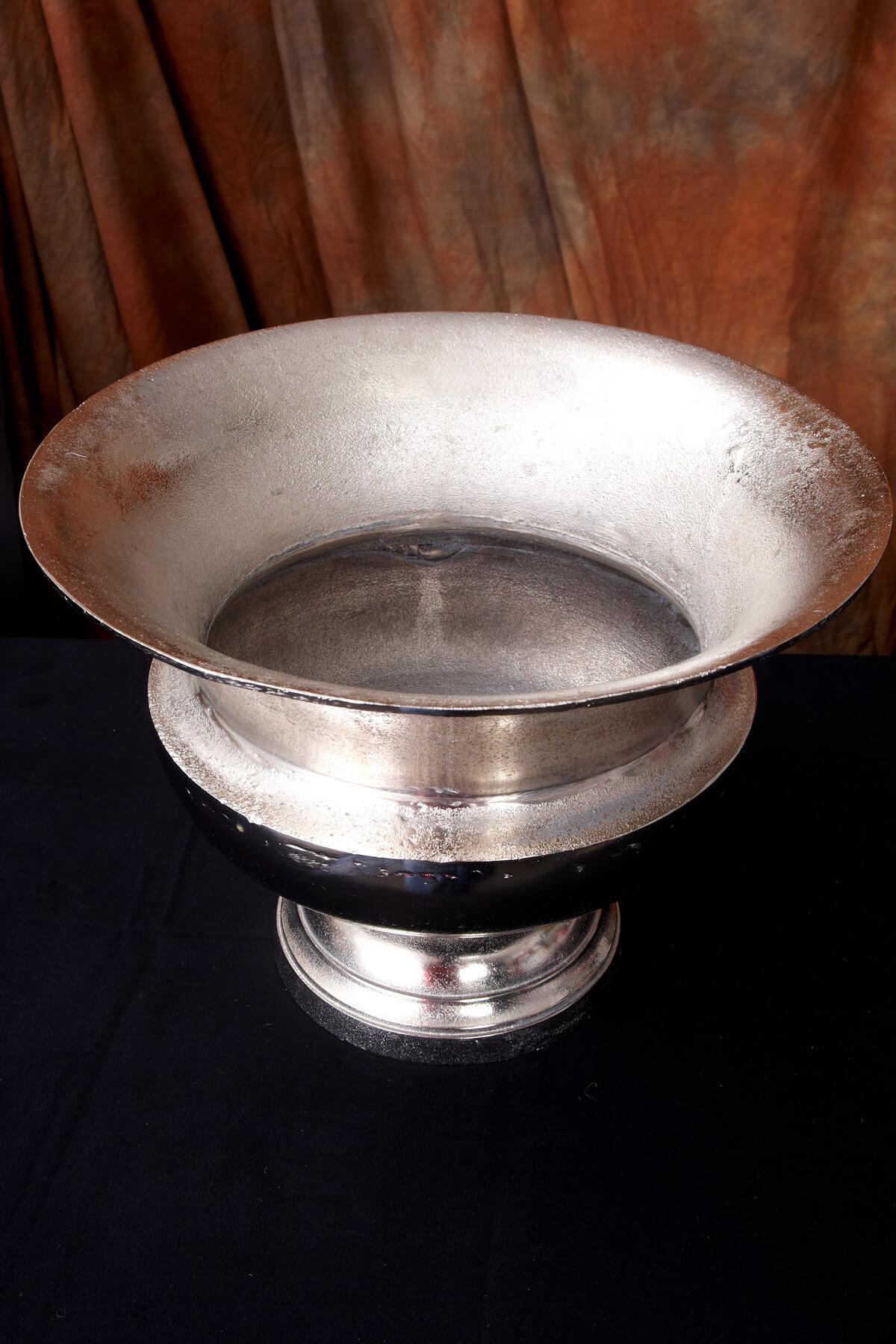 Metal Urn Silver 15x11in