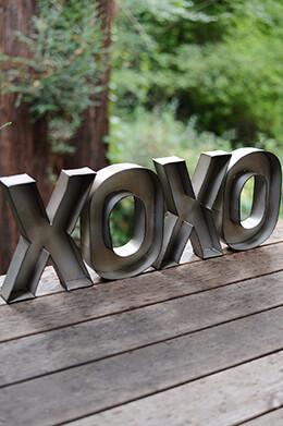 Amazing XOXO Metal Wall Decor