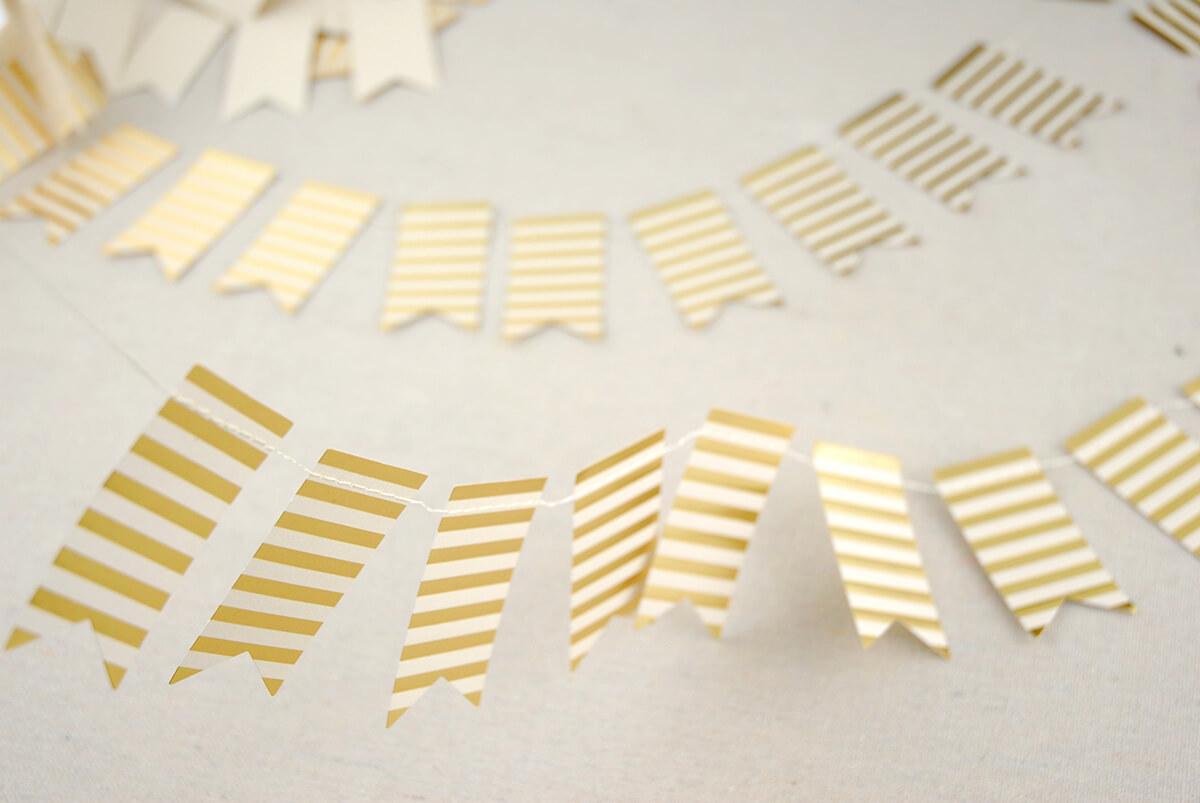 Mini Swallowtail Banner Gold 55 Pennants