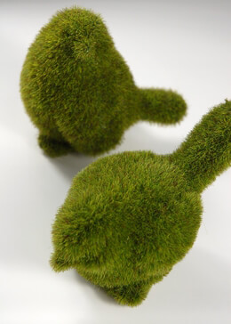 Pair of Faux Moss Birds 4in & 5in