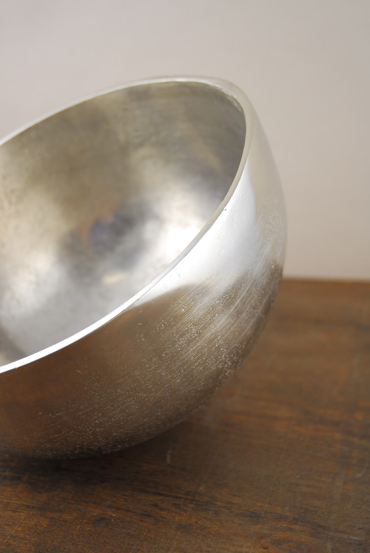 Oblique Umba Angled Aluminum Bowl 9'' x 6''