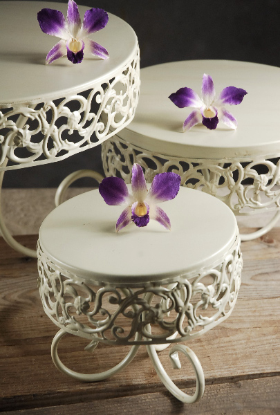 Tiered Cake Stand (Set of 3)