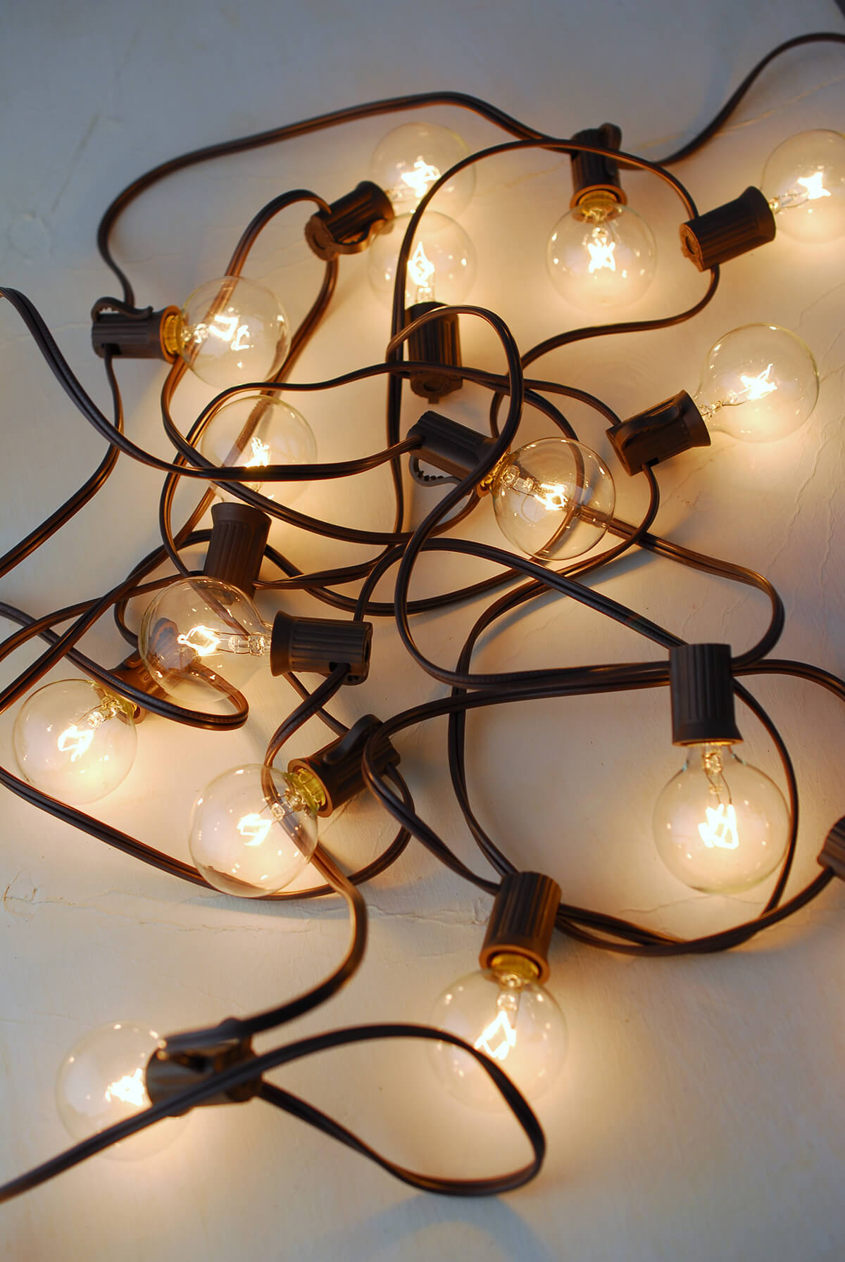 Gerson 20CT G40 Cafe Globe Light Set 19ft Brown Cord, End To End, UL