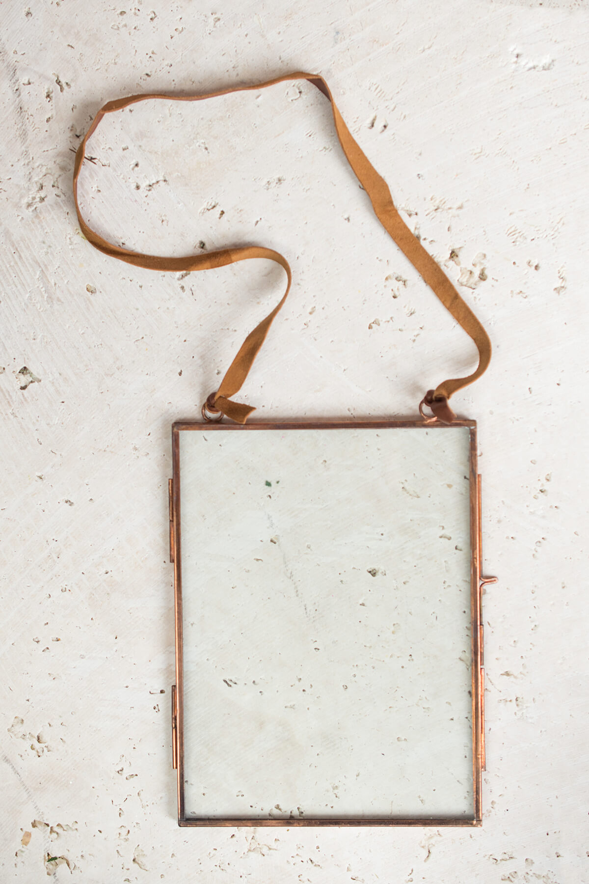 Pressed Glass & Copper Photo Frame: Clear Glass, Leather Hanger, 6 x ...