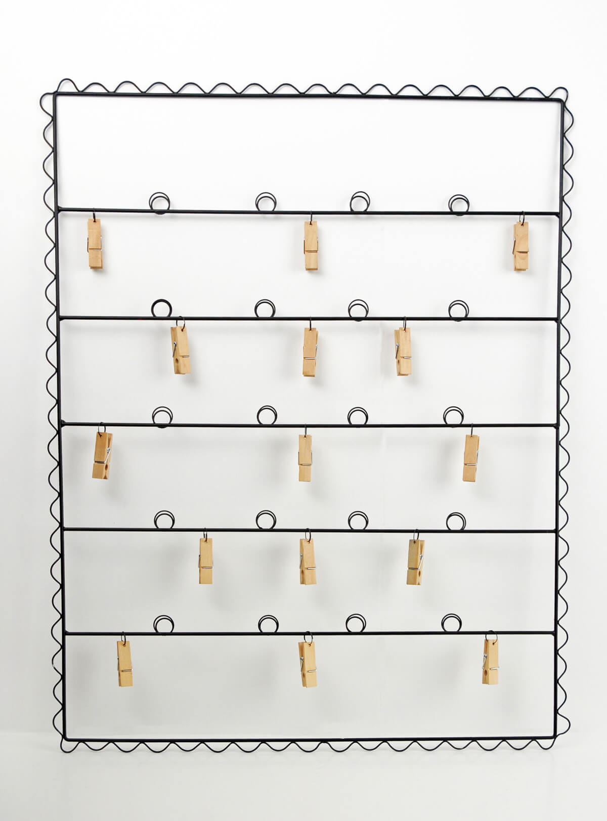 "Photo Wire Display display photo & escort card holder with clothespins 20"" x 25"""