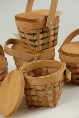 Tiny 3.5 Inch Chipwood Picnic Baskets - Crafts Country Mini Baskets