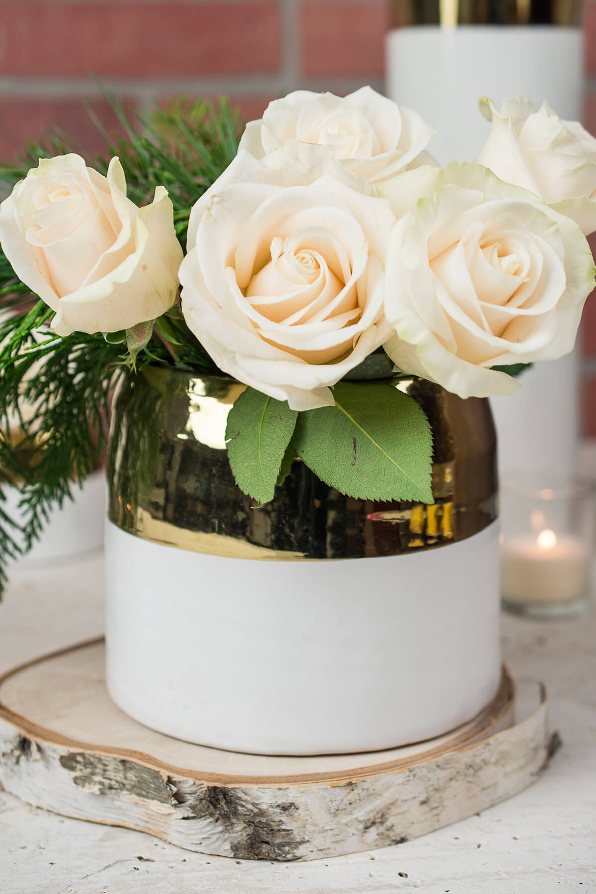 And gold ceramic claire vase pot 575 x 5 white and gold ceramic claire vase pot 575 x 5 reviewsmspy