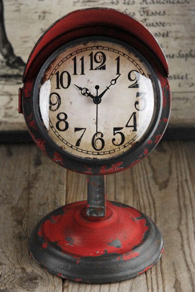 Bon Vintage Table Clock Red