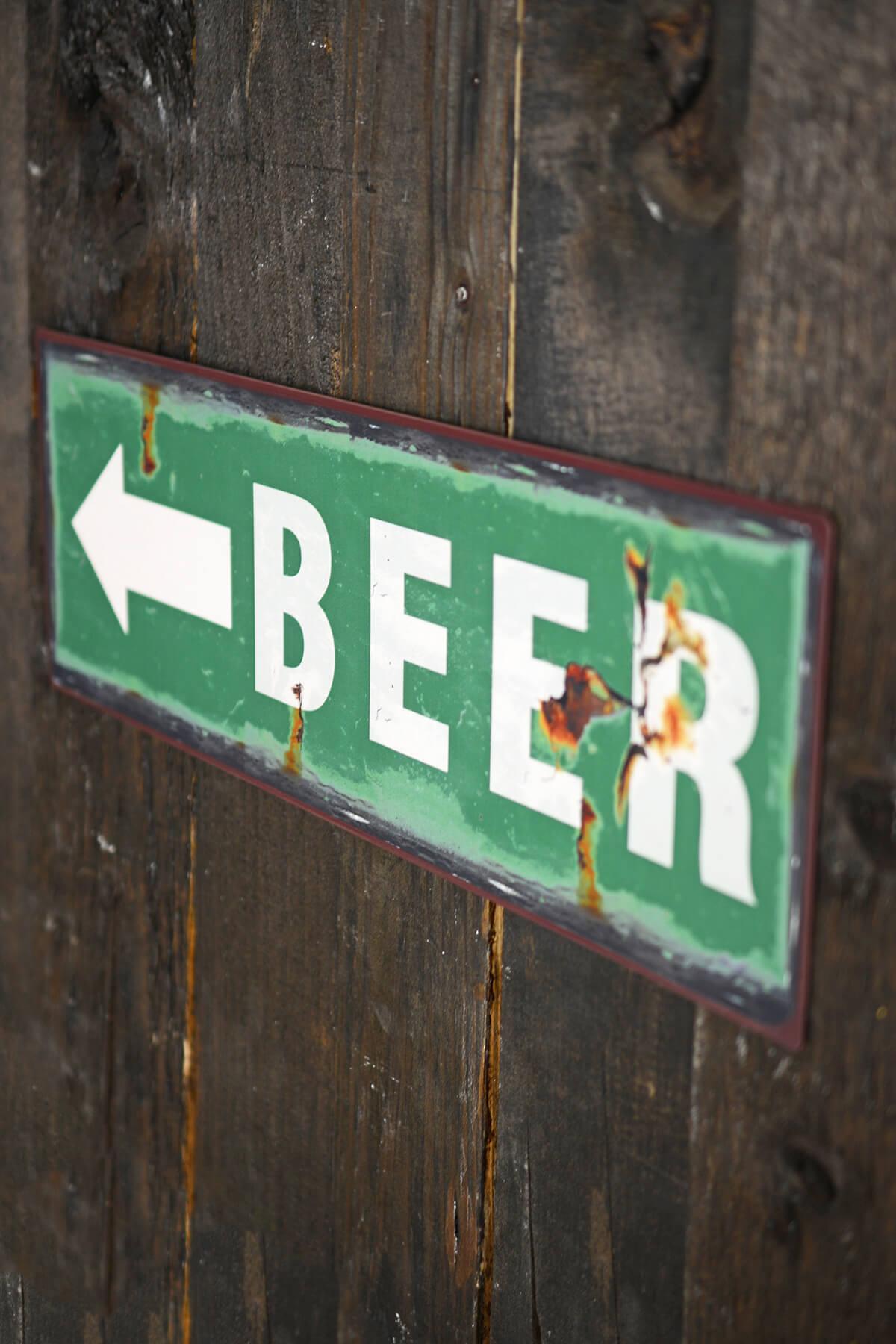 Metal BEER Sign with Arrow 5x15