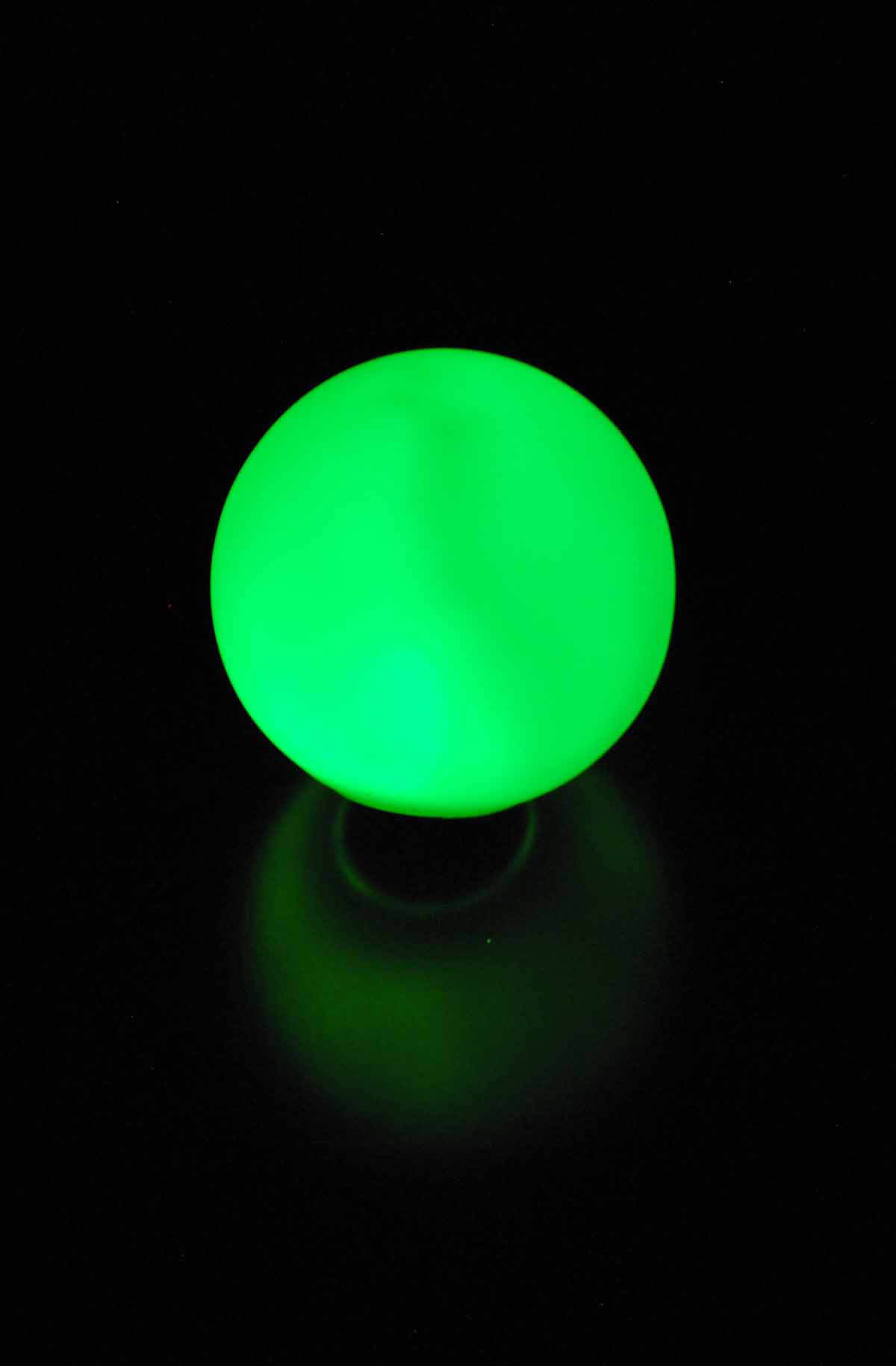 LED Small Glowing Orbs 3 With Stakes