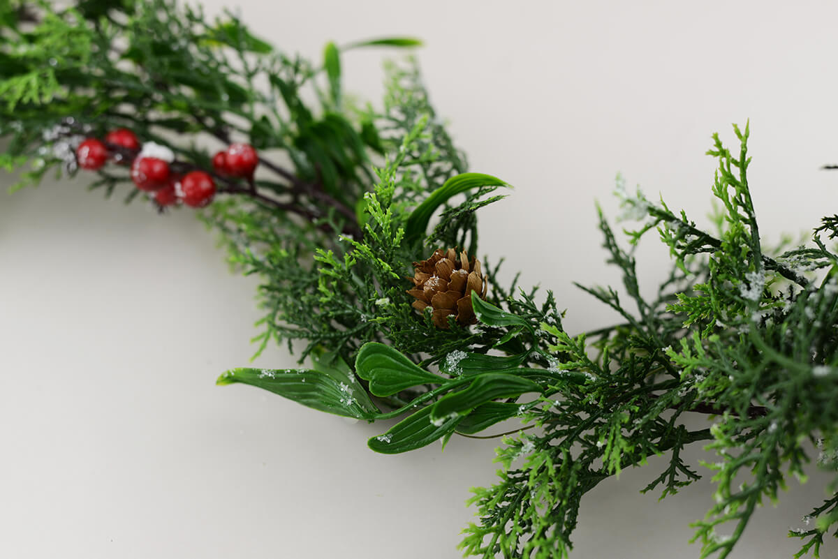 6 Outdoor Snowy Pine Amp Berry Christmas Garland