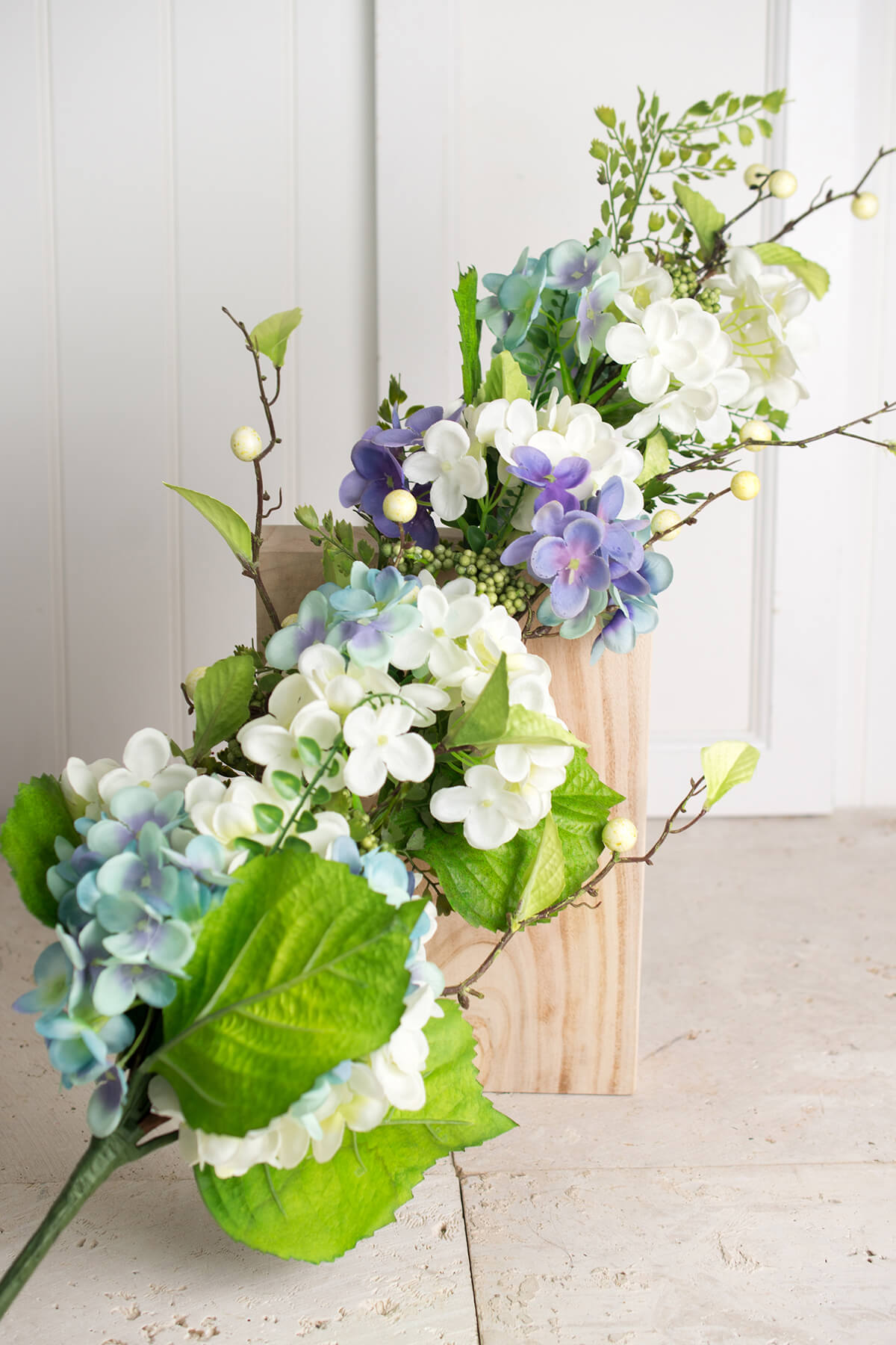 Spring Hydrangea Amp Berry Floral Swag 37in