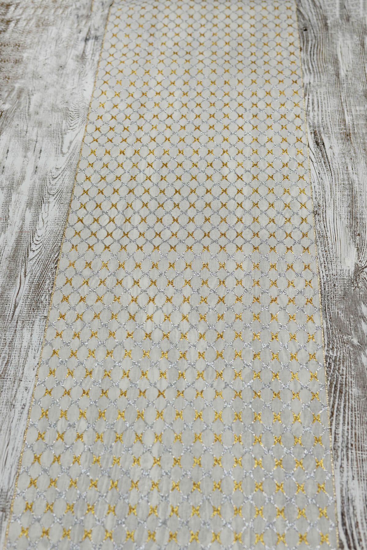 Lovely Table Runner Silver Gold Lattice 14x72in