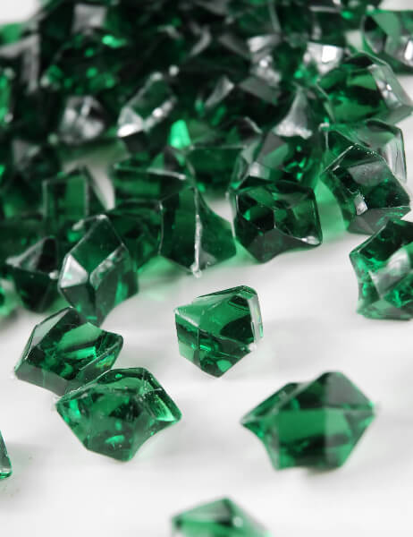 Table Scatter Gems Emerald 75 Lbs