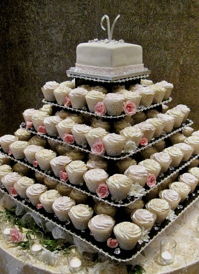 Wedding Cake Cupcake Holders