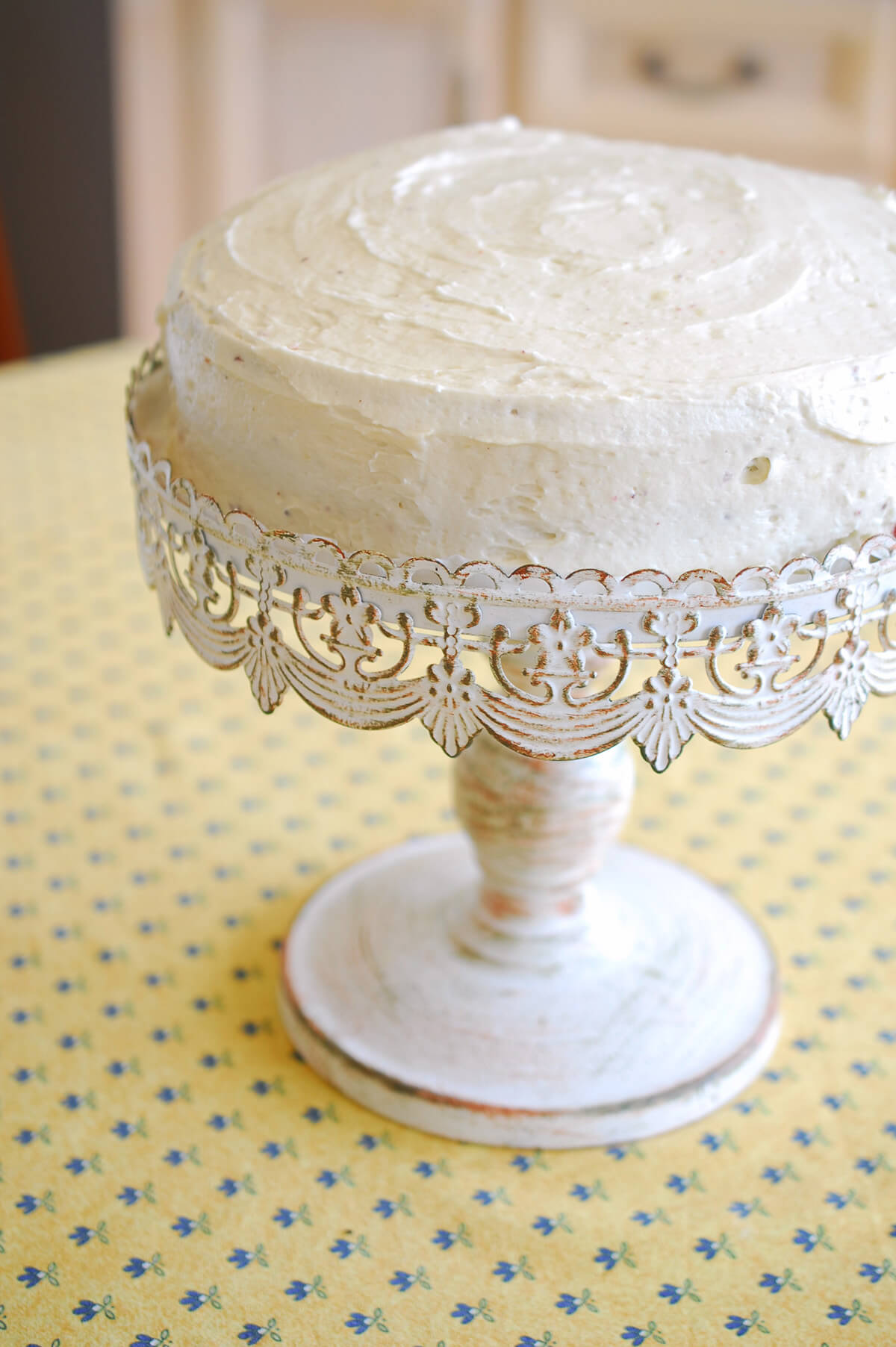 Cake Stand White Metal 10in