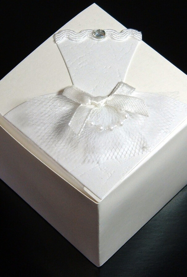12 Bride Wedding Favor Boxes