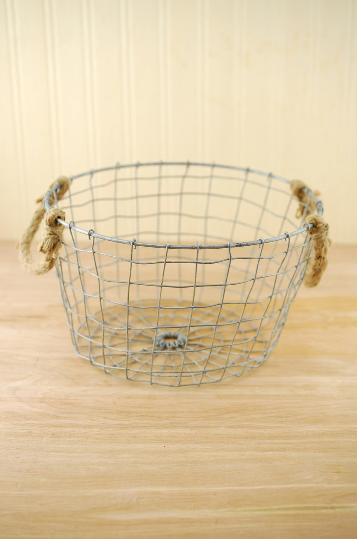 Farmhouse Wire Basket with Rope Handles 10\