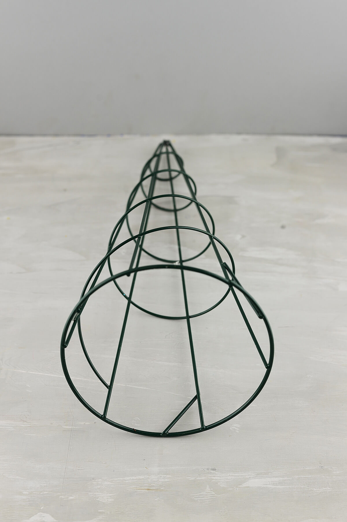 15 Quot Wire Topiary Cone
