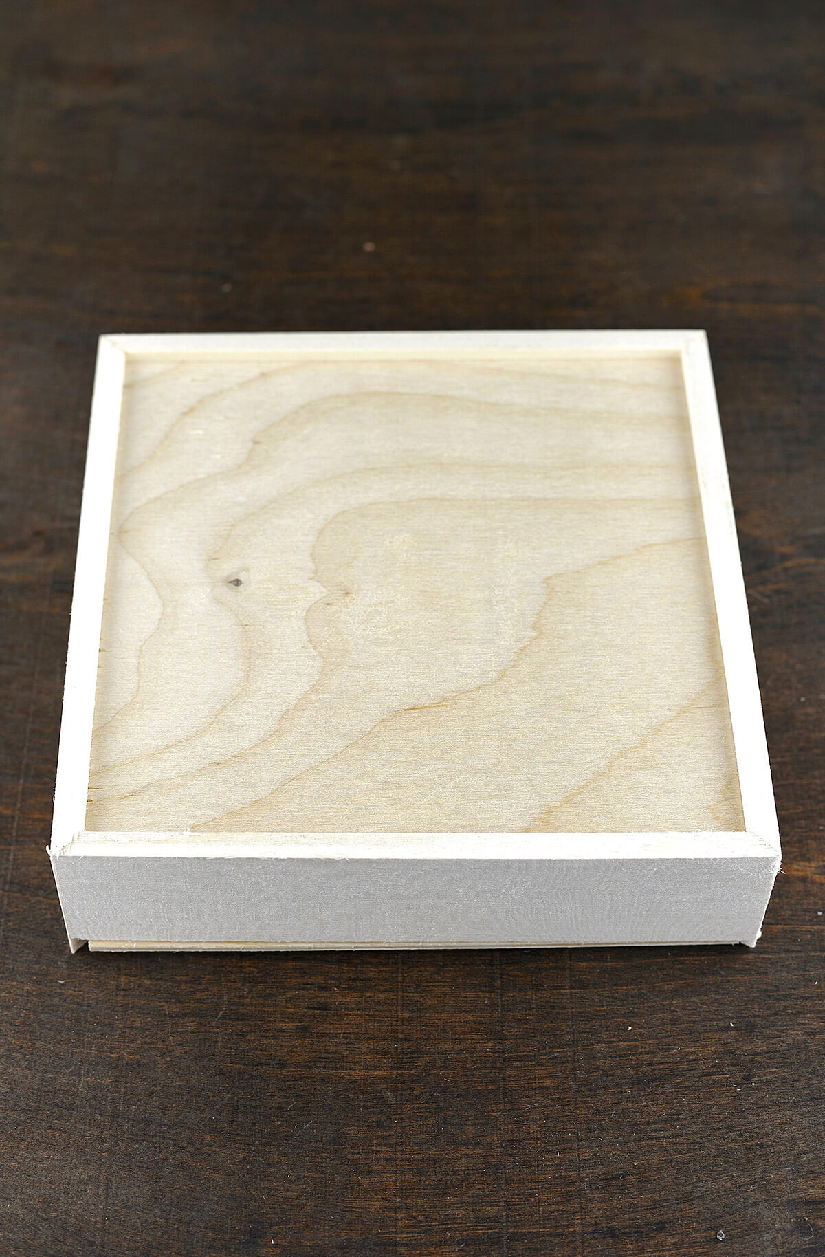 Sliding Wood Box : Wood box with sliding lid in