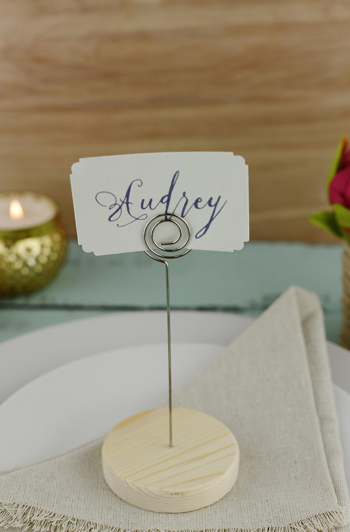 12  Round Wood Base & Metal Clip Place Card Holders
